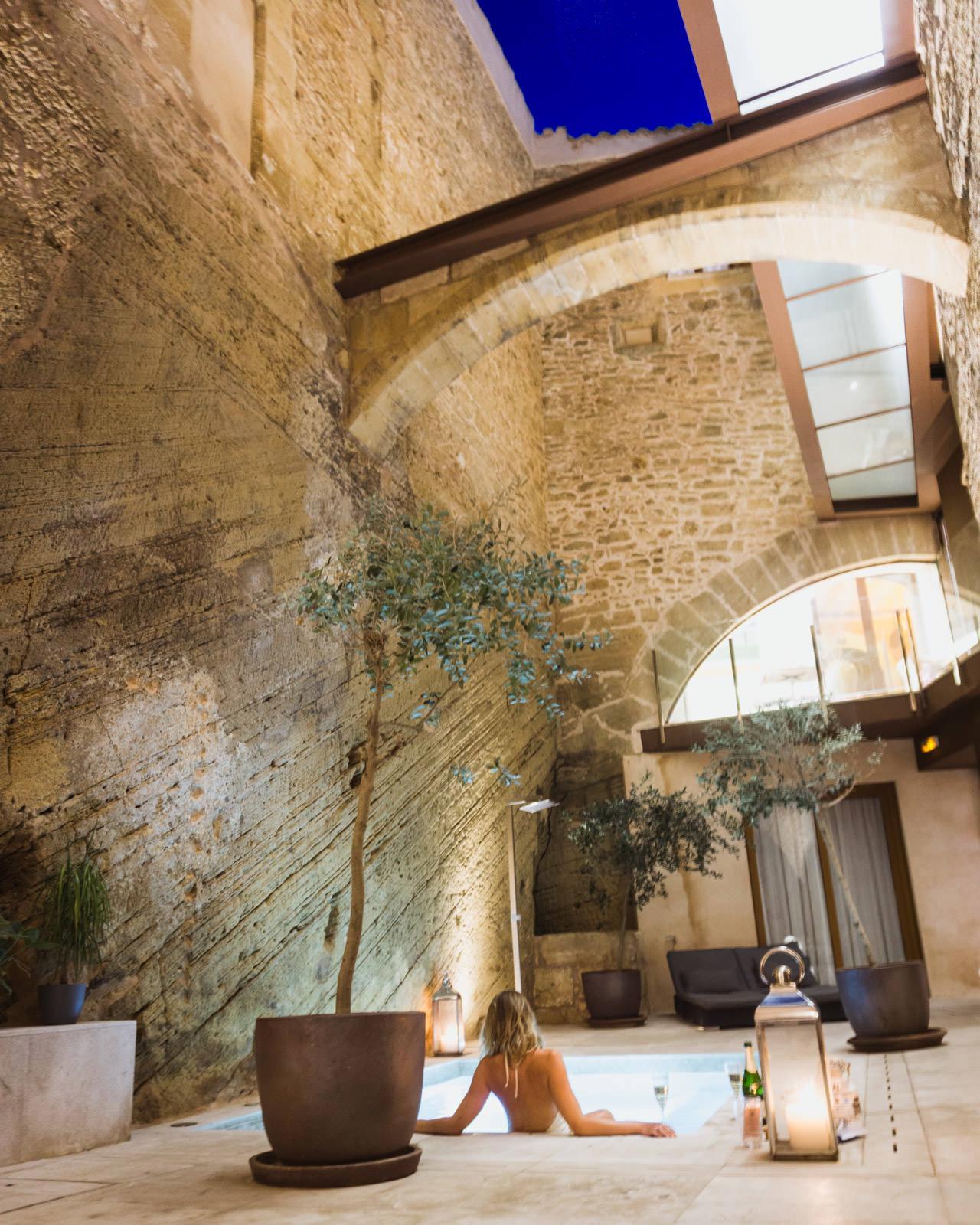 Hotel Can Mostatxins courtyard pool
